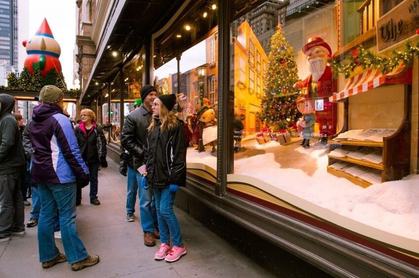 Christmas-Window-Shop